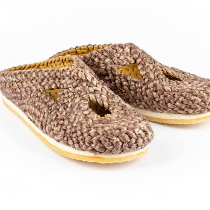 MARCA-1-plashoes-9926